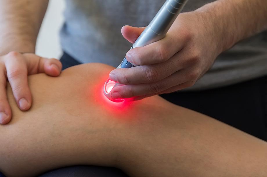 Schmerzbehandlung mit Lasertherapie | Volkher Albrecht, Heil- und Chiropraktiker Stuhr